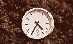 Hora invertida 02:20: ¿Qué significa?