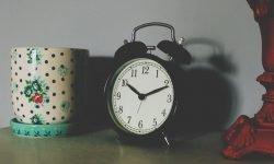 Hora invertida 10:01: ¿Qué significa?