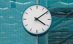 Hora invertida 14:41: ¿Qué significa?