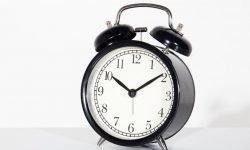 Hora triplicada 00:03: ¿Qué significa?